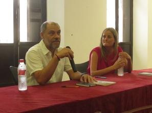 El escritor Pablo Aranda, durante un momento de su clase magistral.